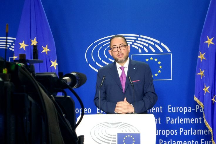 Socialist Gianni Pittella bids for European Parliament president, breaking a tacit deal with the centre-right EPP group to alternate the post.
