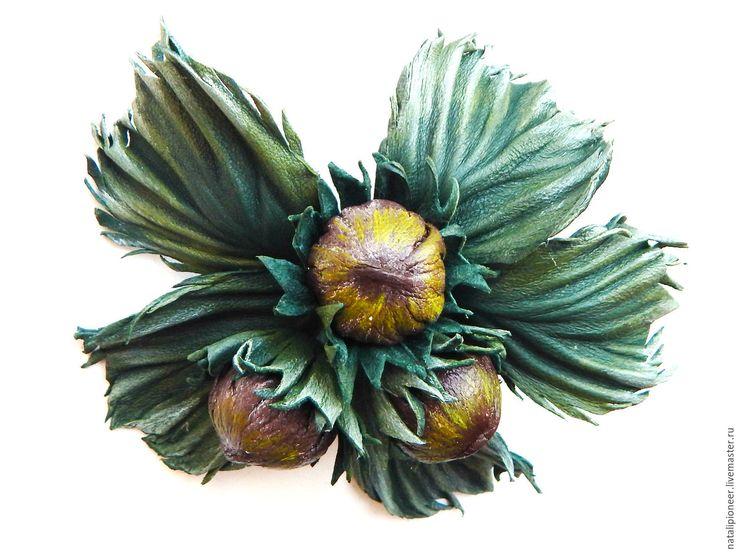 Купить брошь из кожи, ТРИ орешка для Золушки, украшения - зеленый, брошь из кожи, орешек