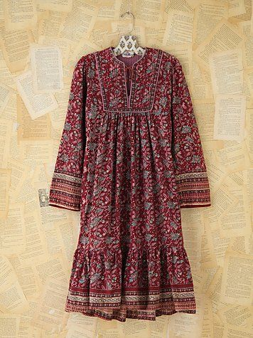 Vintage Printed Boho Dress | Vintage floral printed gauzy cotton boho dress with bib detailing around the neckline. Ties at front of neckline. Oversized, bohemian shape. Billowy peasant sleeves. 100% cotton.