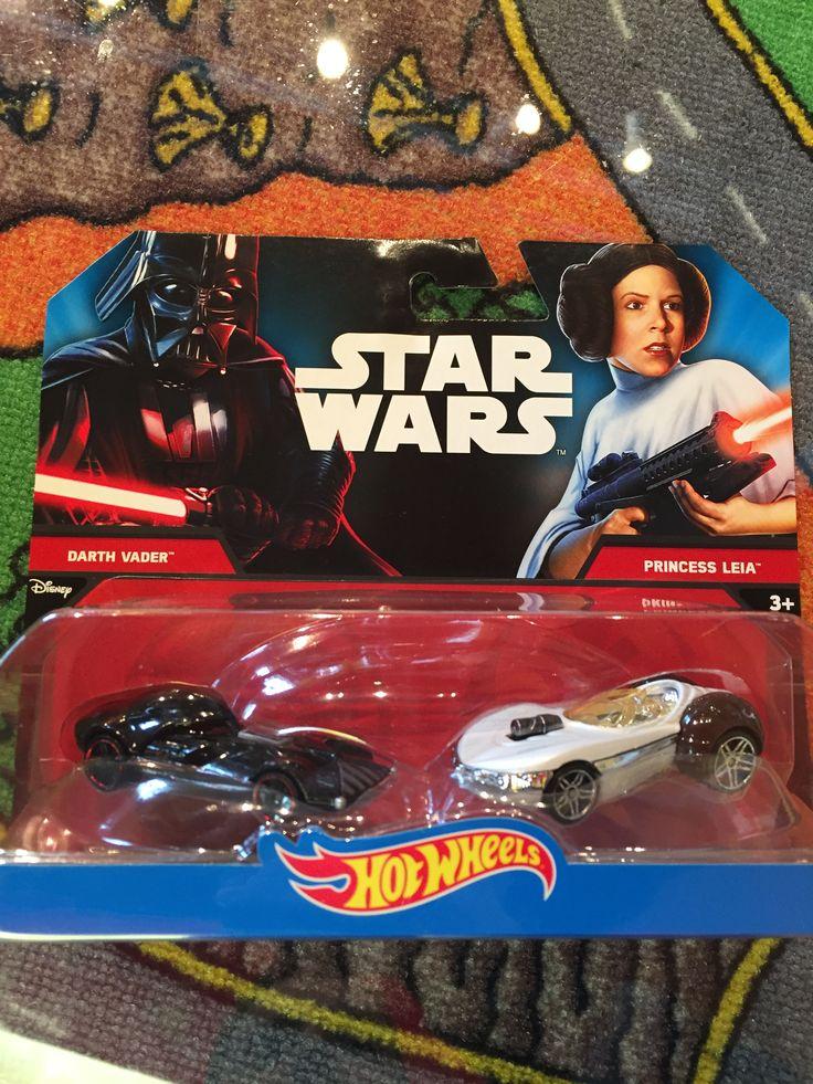 Hot wheels Star wars, Darth Vader et Princess Leia, 12.99$. Disponible dans la boutique St-Sauveur (Laurentides) Boîte à Surprises, ou en ligne sur www.laboiteasurprisesdenicolas.ca sur notre catalogue de jouets en ligne, Livraison possible dans tout le Québec($) 450-240-0007 info@laboiteasurprisesdenicolas.ca