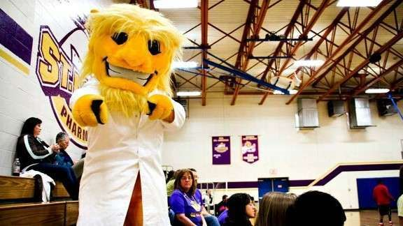 St. Louis College of Pharmacy – Eutectic These 30 Bizarre Sports Mascots Will Definitely Not Entertain You • Page 5 of 6 • BoredBug