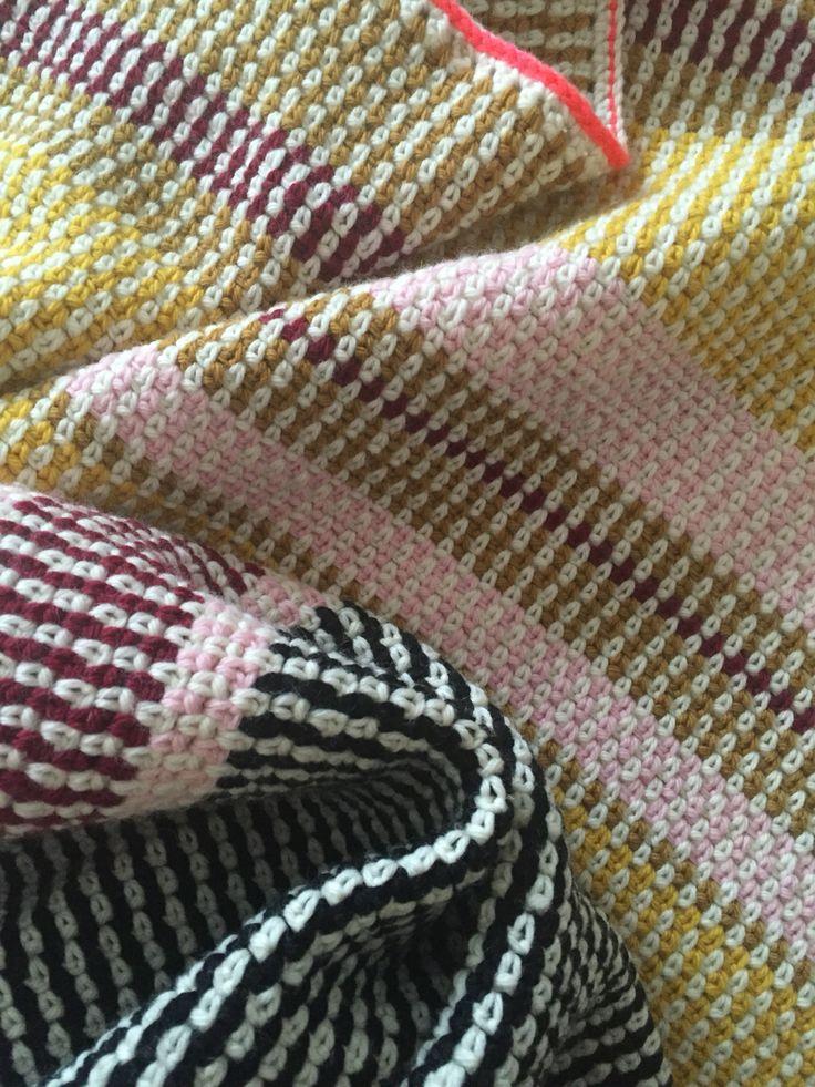 Stribet babytæppe i voksenstørrelse med opskrift fra Lutter Løkker