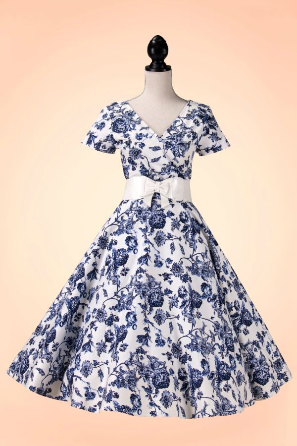 9a854c2711ab robe swing collectif clothing maria toile floral bleu blanc ...