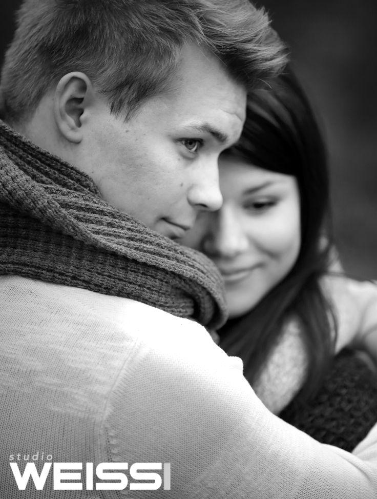 Kihlapari / Engagement photo, Engagement photography ideas, outdoor photography