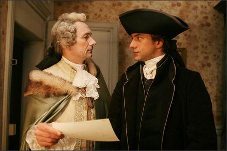 """Nicolas et son patron, Monsieur de Sartine.  """"Souffrez que je résolve cette énigme..."""""""