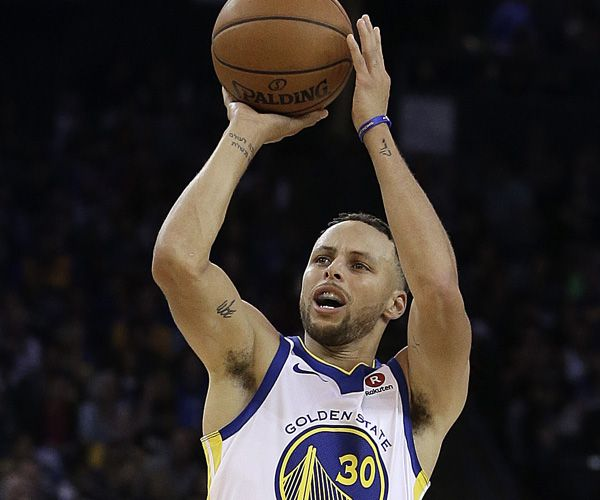 Stephen Curry to teach online basketball class || Image Source: https://www.newsmax.com/CMSPages/GetFile.aspx?guid=c8d5f2a5-ea02-4d4b-971c-79bafd3b5981&SiteName=Newsmax&maxsidesize=600