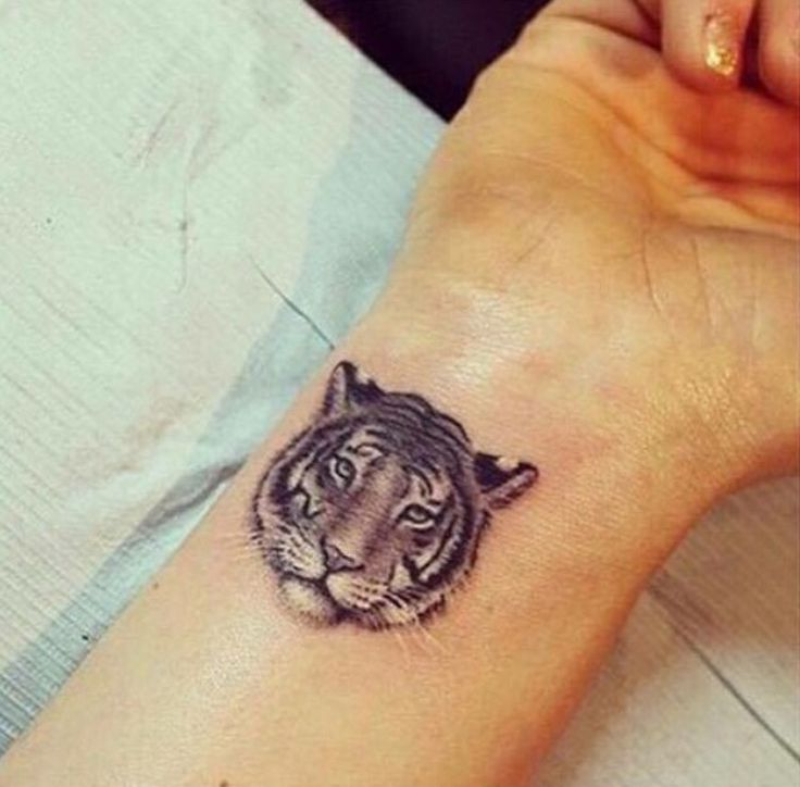 The gallery for small tiger tattoo for women for Small tiger tattoos
