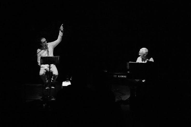 """Dois Amigos em Palco, João Belchior (voz) e Francisco Seabra (piano), no """"Vozes Numa Noite de Verão"""" em Espinho, no Auditório Nascente"""