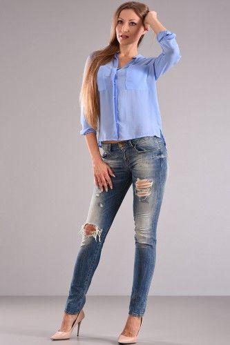 Πουκάμισο με μακρύ μανίκι μαο γιακά ίσια γραμμή με τσέπες στο στήθος σε σιελ χρώμα από σατέν ύφασμα με επεξεργασία ζαρώματος.    Μεγέθη : Small / Medium  Χρώμα : Σιέλ