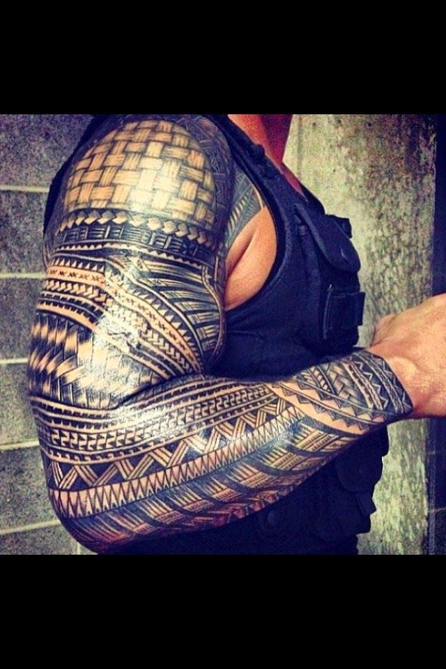 Tattoos And Animals: The awesome Samoan tribal of WWE wrestler Roman Re...