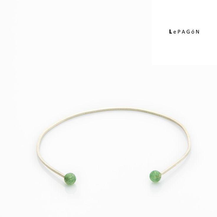 Pasad una buena mañana de #domingo #sunny y sacad a pasear nuestra delicada #pulsera dots con #cuarzo verde...! - only for #elegant #women - #LePAGoN #Madrid   http://www.lepagon.com/pulsera-dots_37.htm  #joyas #hechoamano | #handmade #jewelry  #style #design #fashion #minimal #lessismore #diseño #moda #complementos #accesorios #exclusive #inspirations #simple #beautiful #love #chic #cute #joyitas #bracelet