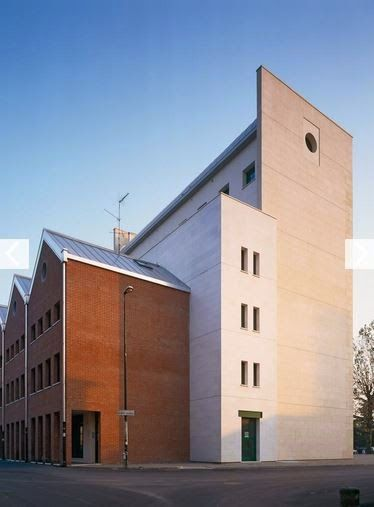 Residencial e Escritórios, Padova, Itália, Aldo Rossi, sd