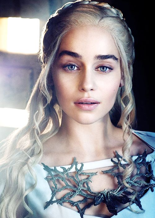Emilia Clarke as Daenerys Targaryen - Game of Thrones