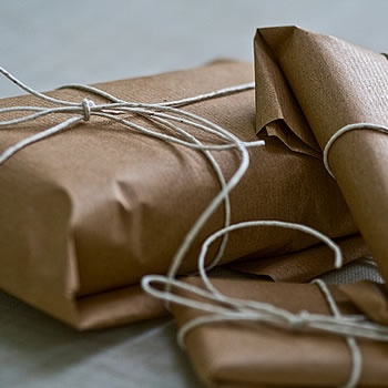 Brown Paper Packages tied up with String: Favorite Things, Brown Paper Packages, Guest Gifts, Diy Gifts, Gifts Wraps, Packaging Ties, Paper Trees, Wraps Gifts, Brown Paper Packaging