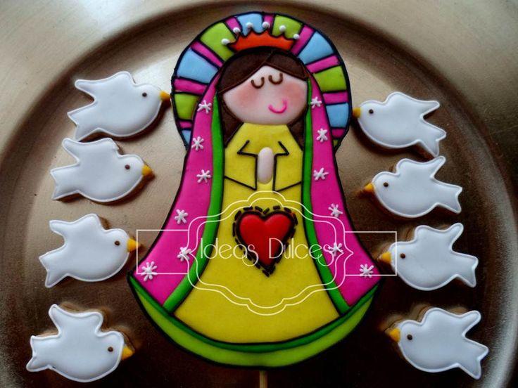Galleta Virgencita Plis para torta de la Primera Comunión de Camila