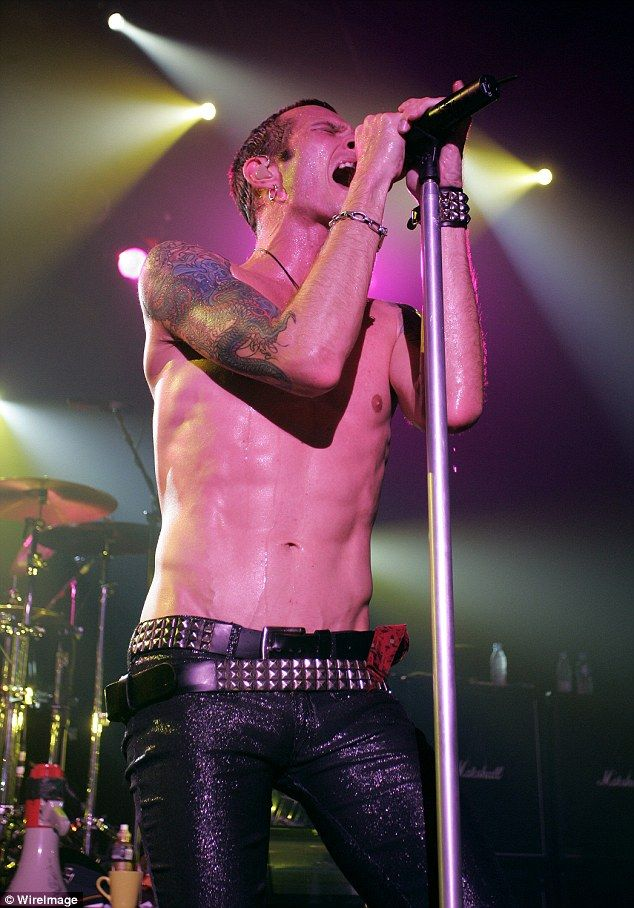 He will be missed: The singer seen performing in 2004 with Velvet Revolver at Bataclan in ...