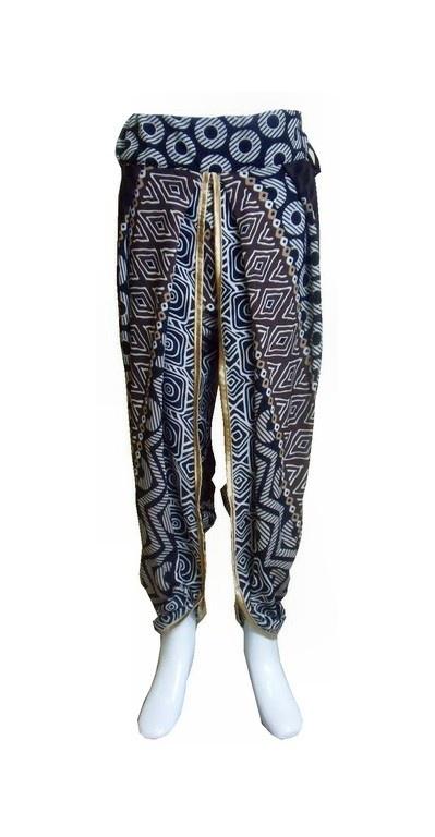 Celana Panjang Tribal Aladdin dengan berbahan dasar rayon yang nyaman dipakai untuk sehari-hari bagi wanita muslimah modern.$13