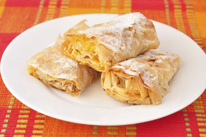 Bulgarian Pumpkin Roll - The Best Delicious Traditional Bulgarian Food Dishes | International Bellhop Travel Magazine #recipes #food #travel