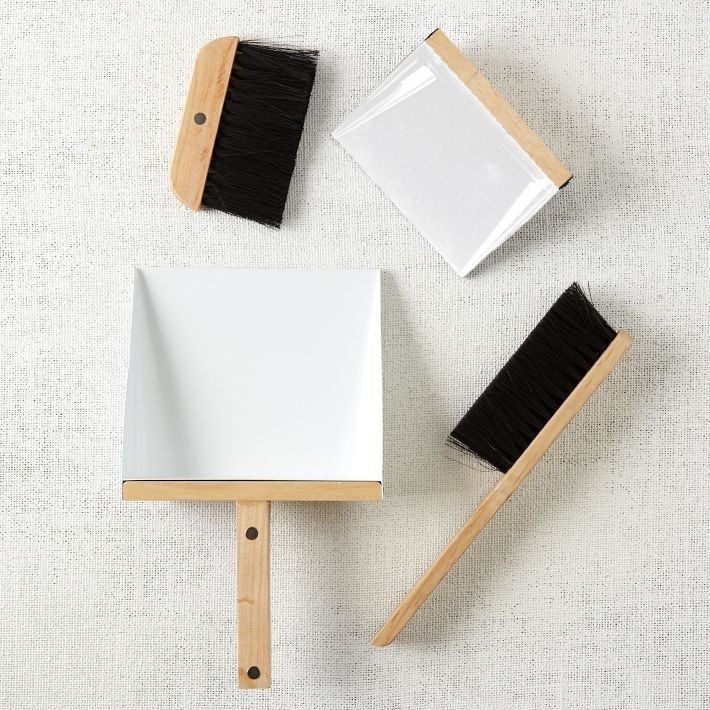 10 Easy Pieces: Design Worthy Dustpans