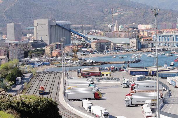 Vado Ligure, il porto