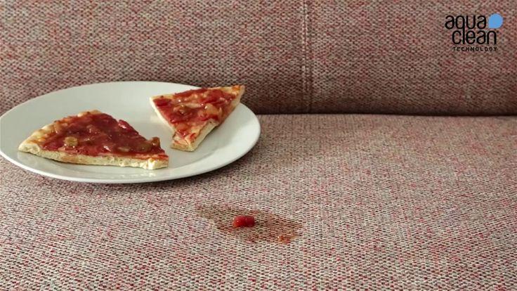 Cómo limpiar una mancha de pizza en el sofá