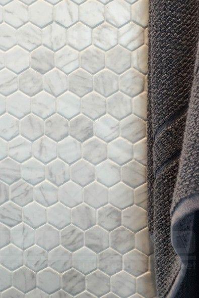 hexagon, wit, cementtegels, badkamer, hexagone, hexagon tegels, impermo, zeshoek, tegels, zeshoek mozaïek, imitatie-marmer