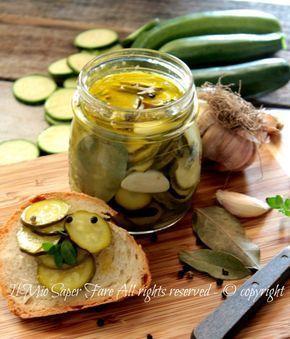 Zucchine in agrodolce ricetta senza frittura, un contorno con zucchine leggero e croccante. L'agrodolce è un modo sicuro e facile per conservare le zucchine
