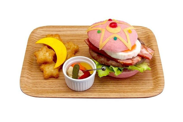"""Sailor Moon Burger"" - Chibiusa Cafe"