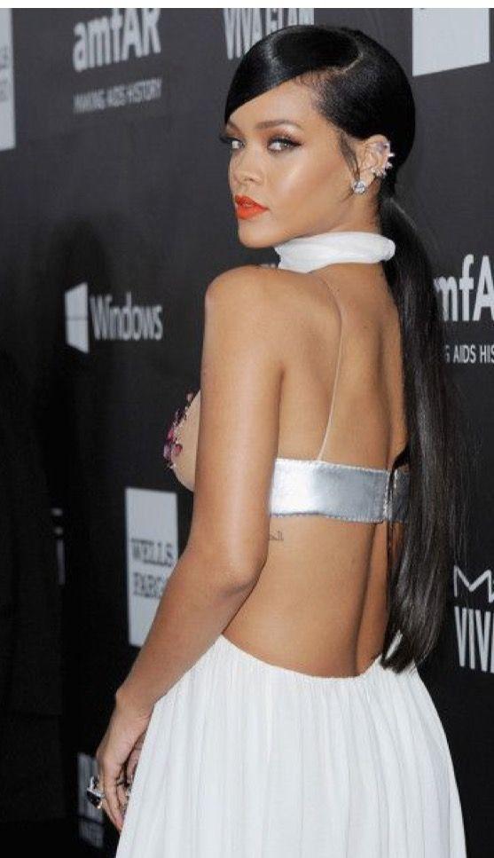 Side part ponytail