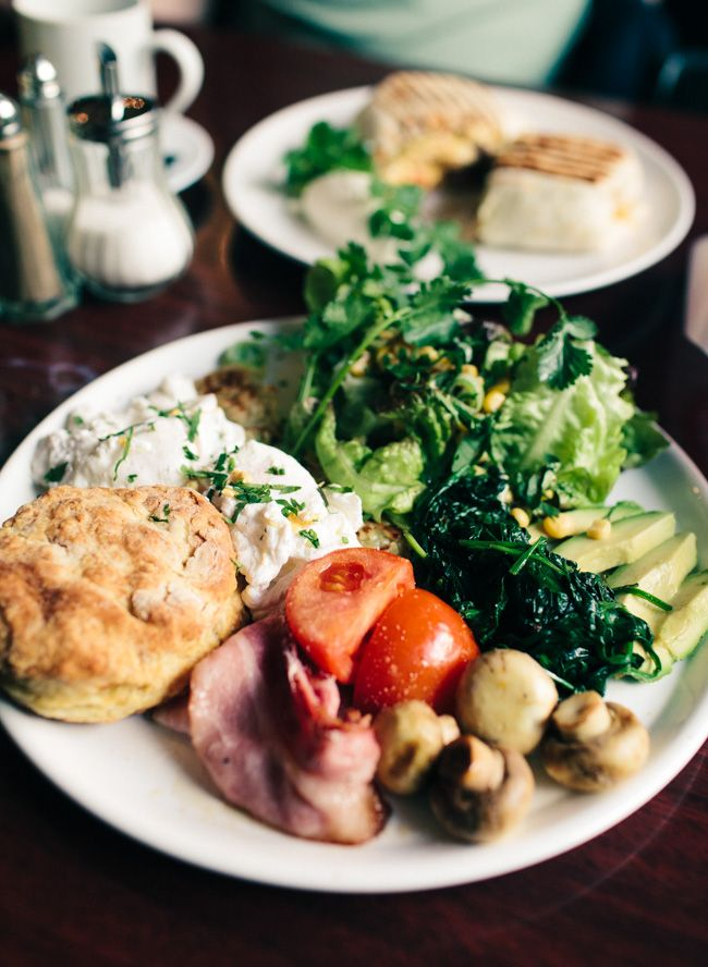 """BERLIN FRIEDRISHCHAIN — Uberlin tasted the US-brunch menu at Dirty South with poached eggs and breakfast burritos and called it """"epic""""."""