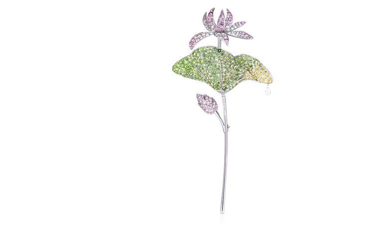 Lotus Brooch: 950 platinum, 18K yellow gold, Pink diamonds, Diamonds, Yellow diamonds, Demantoid garnets, Sapphires