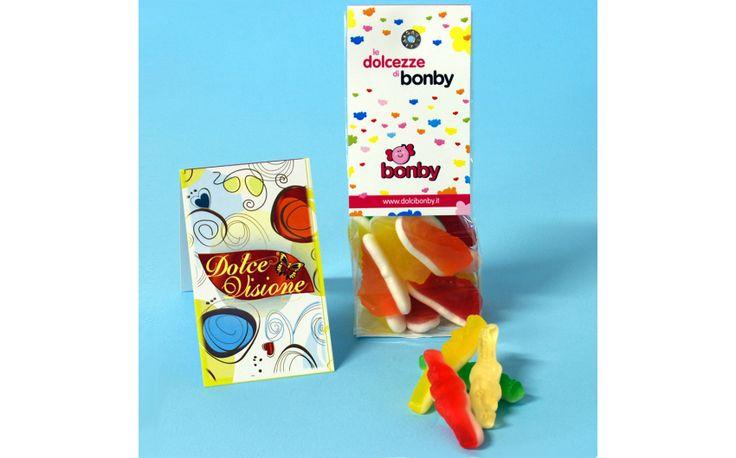 """Ragazzi, arrivalo le """"Dolcezze di Bonby"""", una linea di sacchetti da 100 gr. contenenti prodotti delle linee: - Caramelle gommose - Classici italiani - Liquirizia Tanti dolci diversi per un solo obiettivo: essere perfetti per feste, compleanni ed eventi di ogni genere. Venite a scoprirle qui: https://www.dolcibonby.it/94-le-dolcezze-di-bonby"""