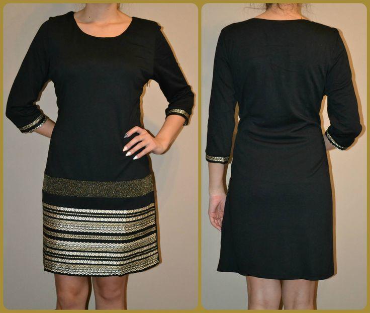 Čierne šaty so zlatou kombináciou