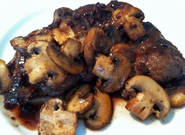 Tender moose sirloin steak is seared and pan-roasted and served with sautéed mushrooms and a satiny red wine sauce.