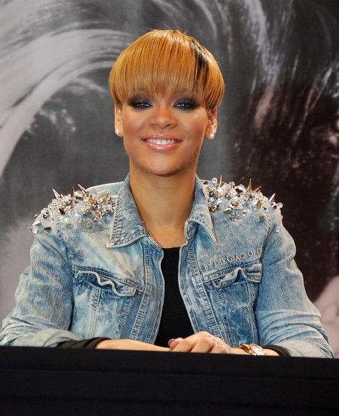 "Rihanna Denim Jacket - In true Riri style, the singer wore an edgy ""Killer Couture"" denim jacket with spike-studded shoulders. Hot!"