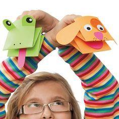 Paper Puppets neem een papier, vouw in 3. plak de buitenste kanten/naden samen. vouw nu in 3 ('4 vlakken) versier en steek er je hand in!
