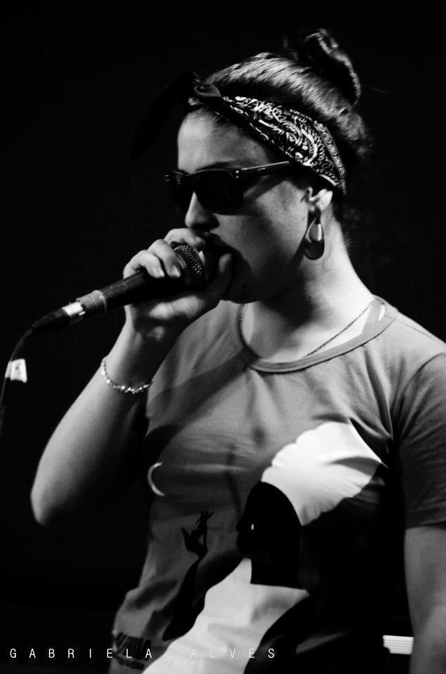 """O ritmo e a poesia andam livres neste sábado, 18, no palco do CEU Capão Redondo. Trata-se do evento """"À Firma"""", que acontece a partir das 11h, com entrada Catraca Livre."""