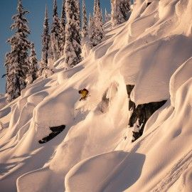 Eliel Hindert pillow hunting, Whitewater BC