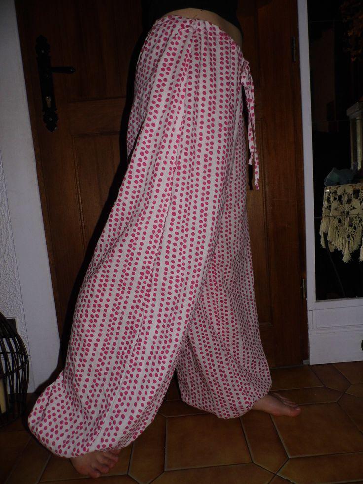 """Mon Pantalon d'intérieur """"zouave"""" merci Troipon pour le tuto !! http://troipom.canalblog.com/archives/2011/05/01/21024778.html  Ƹ̵̡Ӝ̵̨̄Ʒ Nouillelfique"""
