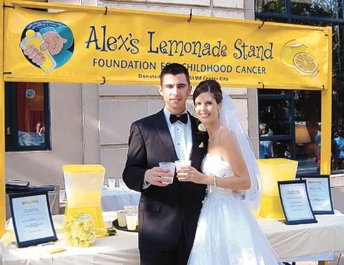 First – I LOVE this idea – a lemonade stand dedicated to your favorite charity is a great way to give back at your wedding!Lemonade Stands, Milestones Events, Grade Fun, Local Events, Alexslemonade Org, Include Alex, Alexslemonad Org, Alex O'Loughlin, Alex Lemonade