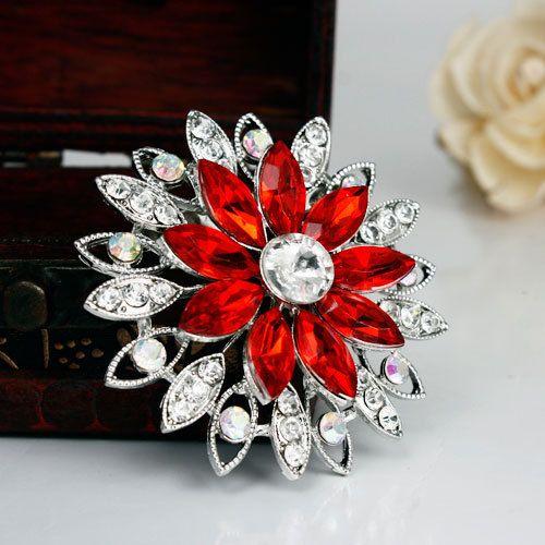 Free Shipping Women Christmas Gift Fashion Alloy Brooch Silver Flower Rhinestone Brooch Women Brooch For Wedding