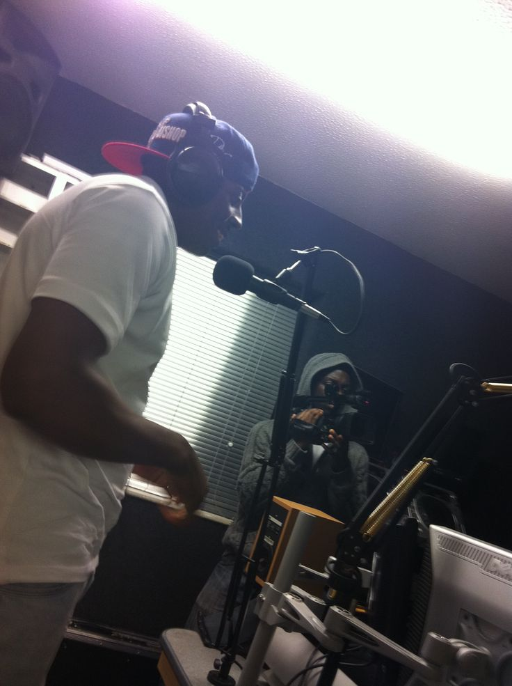 Young Mad B interview & freestyle at JamRock Radio, Luton.