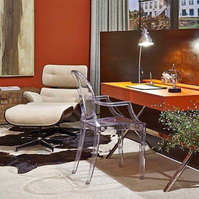 Destaque para escrivaninha X na cor laranja. Curtiram? Ambiente: Dagmar Bizzinotto #decoraliderribeirãopreto #vivaasuacidade #liderinteriores #design #decoração #designfeitoparaviver #arquitetura #colors