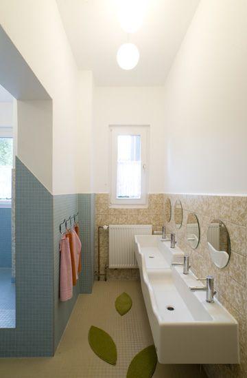 Colorful Refurbishment Kindergarten Bathrooms: 19 Best Preschool Bathroom Images On Pinterest