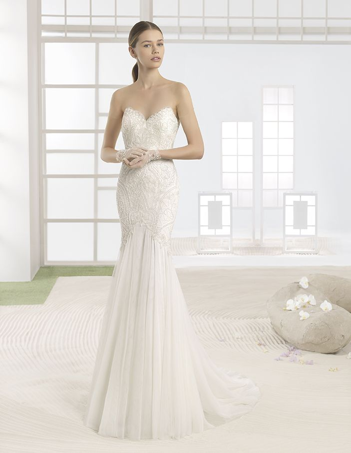 Wilka - Soft tulle mermaid-style dress with sweetheart neckline, in ivory/nude.