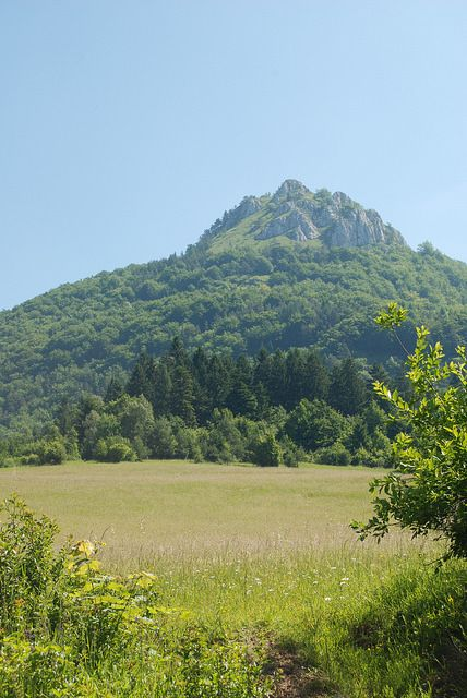 Hiking up Vapec, Slovakia by NaomiH | Almost Bananas