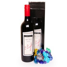 Never go to a house party empty handed! Get this Barossa Red gift set! It comes with assorted toffees and truffles!