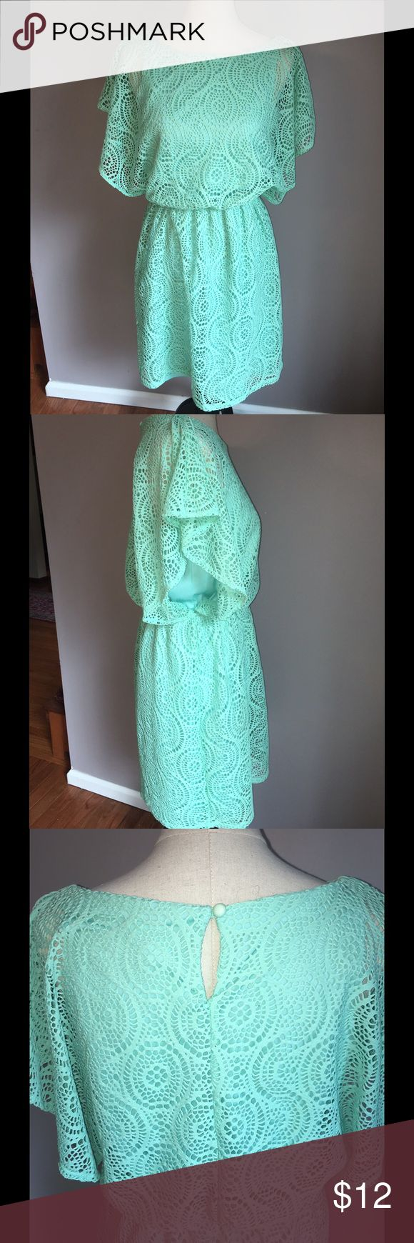 Emma & Michele mint green dress Size 10 Adorable casual dress with flirty sleeves. Pearl button closure at neck. Elastic waist makes this dress very comfortable and can be accessorized with a belt to complete the look Emma & Michele Dresses