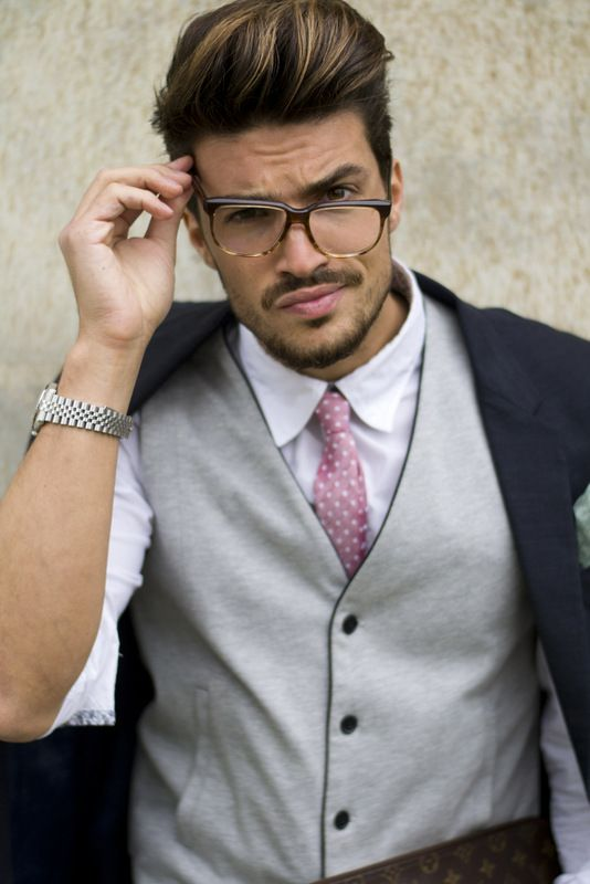 In love with my new glasses! #businessman #style www.nohowstyle.com