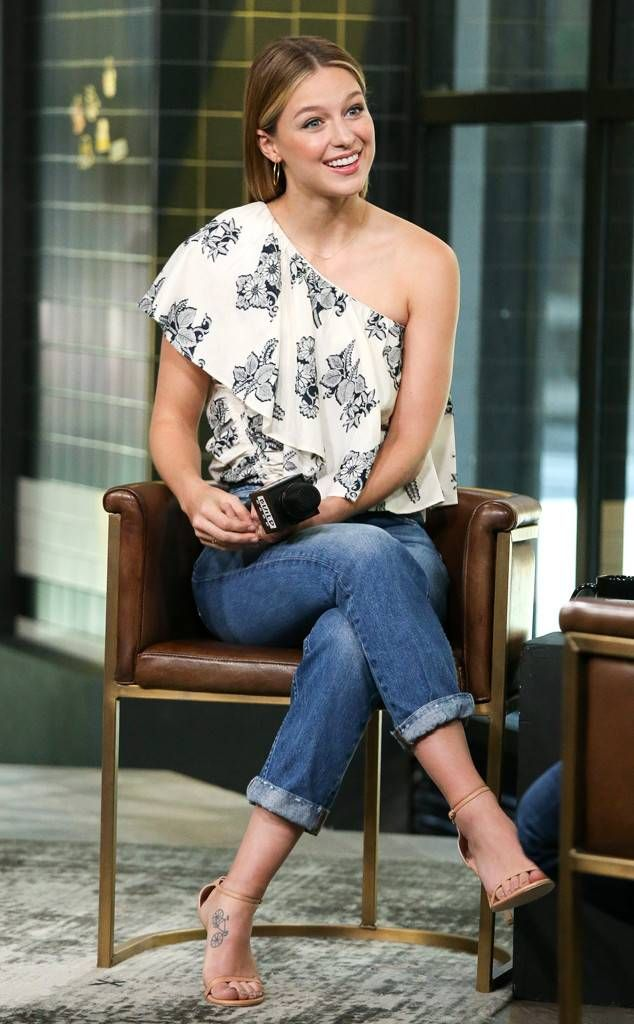 Melissa Benoist From The Big Picture Today S Hot Photos The Supergirl Actress Drops In To Visit The Melissa Benoist Hot Melissa Marie Benoist Mellisa Benoist